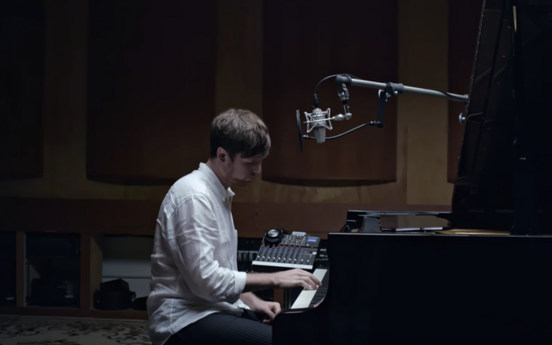 JAMES BLAKE'S PERFORMANCE OF VINCENT