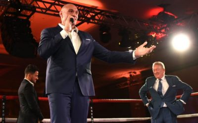 THE GYPSY SING Watch Tyson Fury entertains guests as he sings 'American Pie' at glitzy bash as fans cheer him on